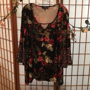 Woman's Colorful blouse.Long sleeved